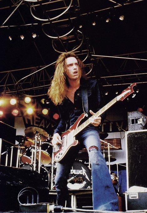 Happy Birthday Cliff Burton :( my heart hurts. One of my biggest inspirations.