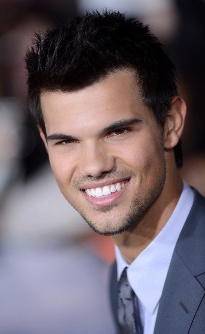 Happy birthday to the good actor,Taylor Lautner,he turns 27 years today