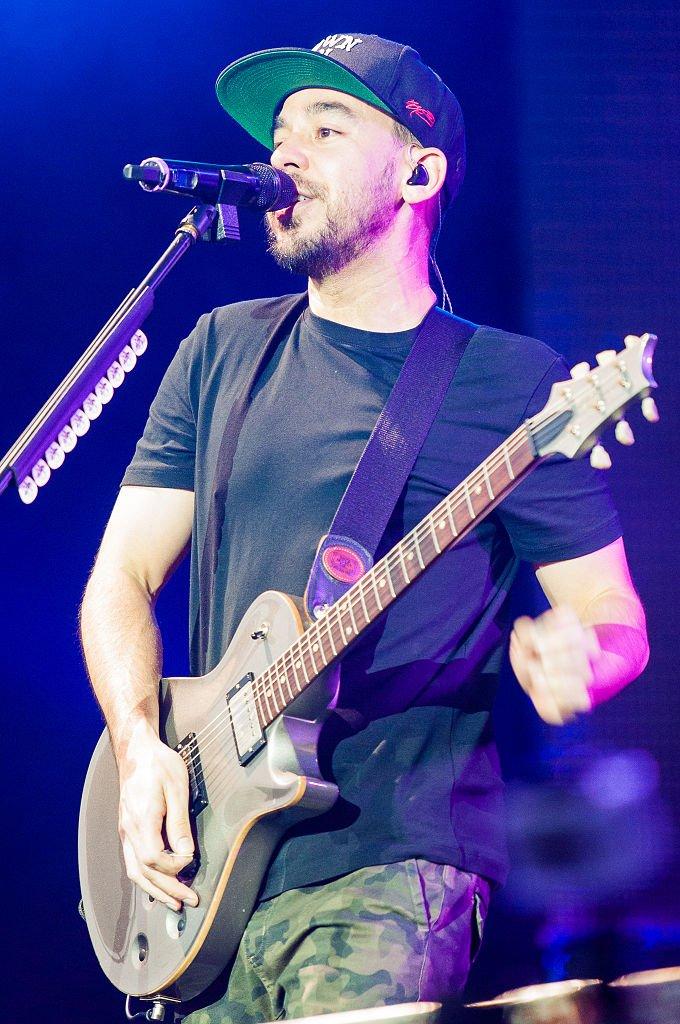 Happy 42nd birthday to Mike Shinoda!