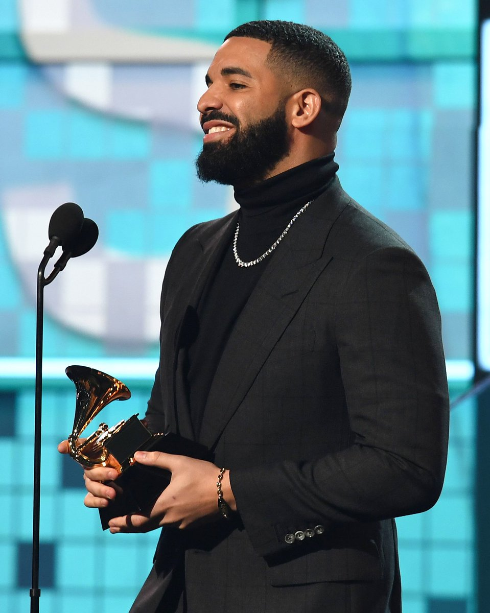 Winner of 'Best Rap Song', Drake in TOM FORD at the 61st Annual Grammy Awards in Los Angeles.  #TOMFORD #GRAMMYs https://t.co/VQyQQsh9Fb