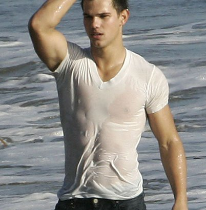 Happy birthday to Twilight star Taylor Lautner!  (btw should have chosen you)