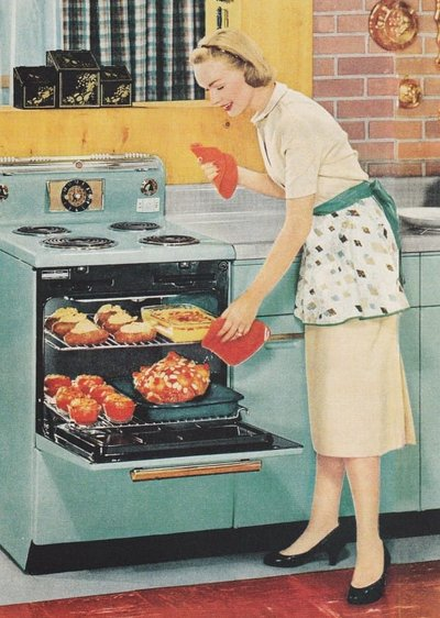 RT @MarkDice: I agree, we need more #WomenInScience - Remember, cooking is a science. https://t.co/cNlTpcP8p8