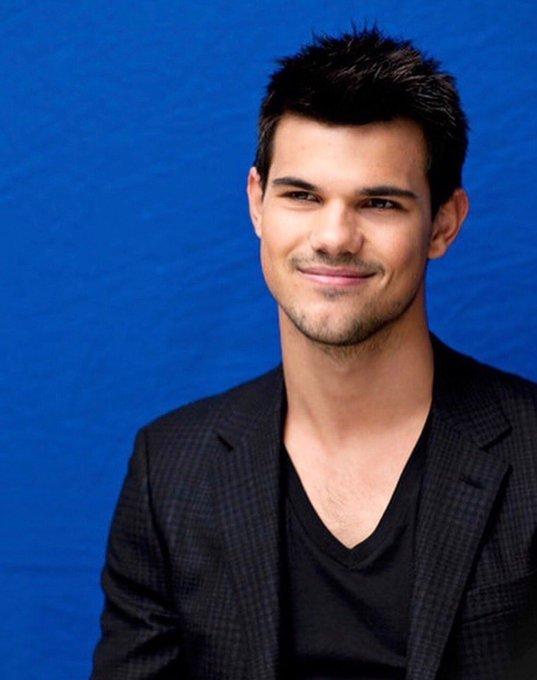 Happy Birthday   Taylor Lautner