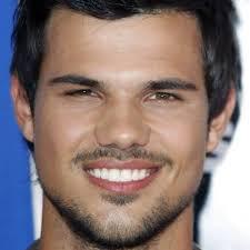 Happy Birthday Taylor Lautner !!!