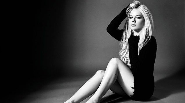 "RT @billboard: Avril Lavigne unveiled new collab with Nicki Minaj ""Dumb Blonde"" #BillboardNews https://t.co/UPQELiisZL"