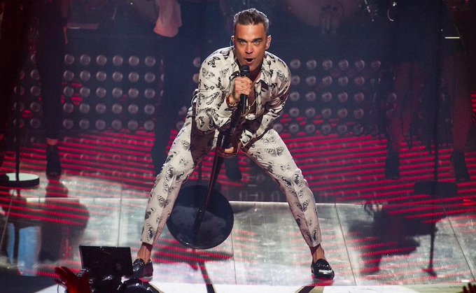Oggi Robbie Williams compie 45 anni e li festeggerà alla grande. Happy Birthday!