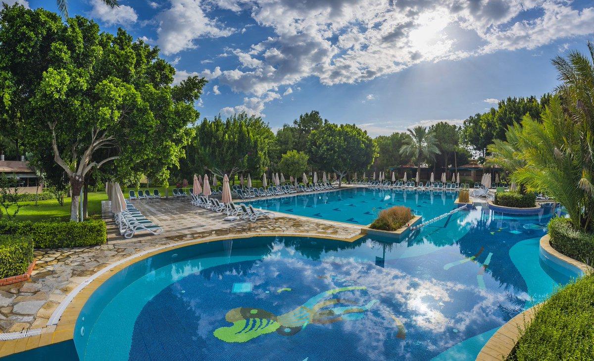 An oasis of pleasure. https://t.co/IPYQW5Ebxw  #GloriaHotels #BecauseHereisGloria #GloriaGolf #Pool https://t.co/pQDm1y0AsP