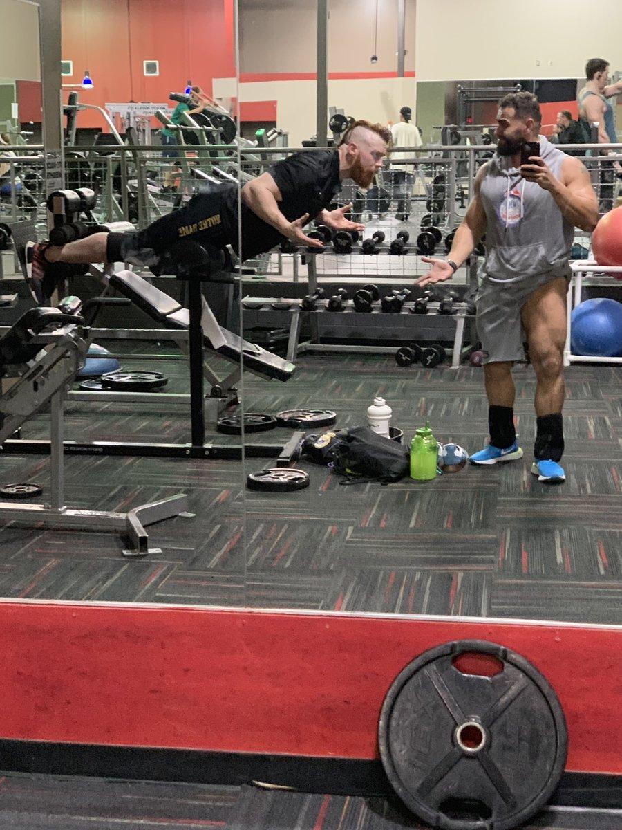 RT @RusevBUL: I'm busy man ..... @WWESheamus https://t.co/AQulHyMPrR