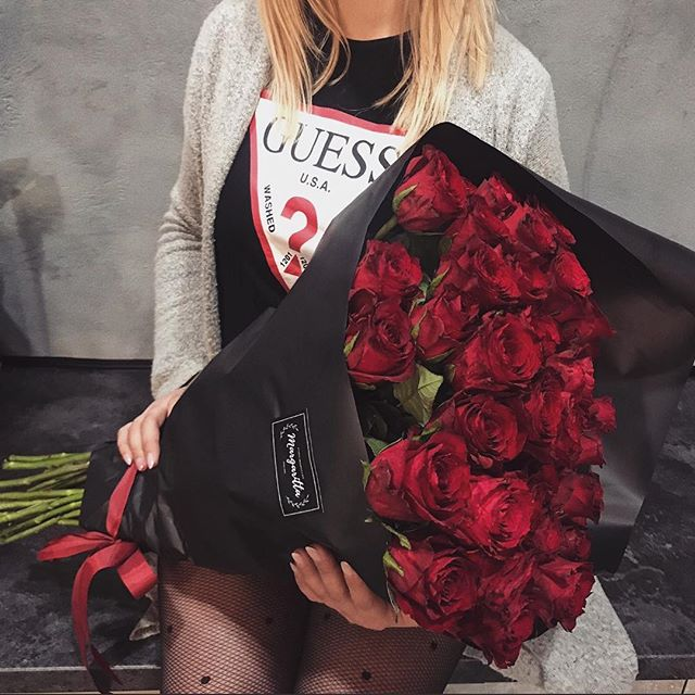 For that someone special 🌹 #LoveGUESS (📷: steczkoweronika) https://t.co/uwQoVZBMI9