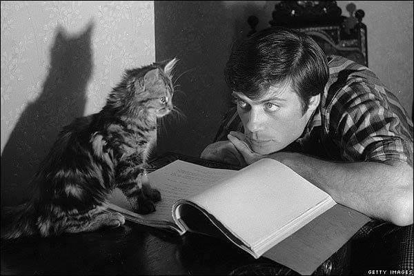Happy Oliver Reed\s birthday.