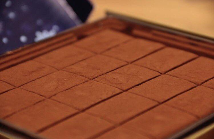 test ツイッターメディア - ロイズは甘いものが食べたい時用の 安いチョコレートとして認識をして 買ってきました!生チョコうめえぇ。 https://t.co/OvU6bCd9o5