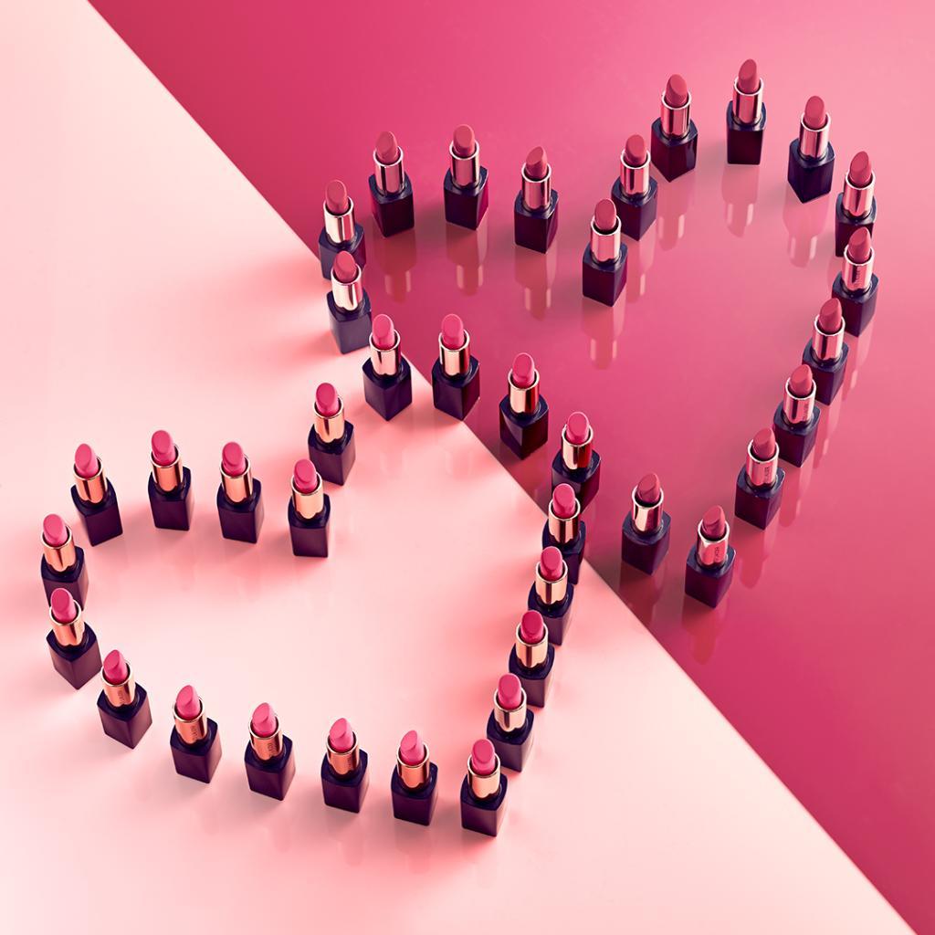 💞 Happy #ValentinesDay, #EsteeBeauties! 💞 https://t.co/N4di8ue5y0