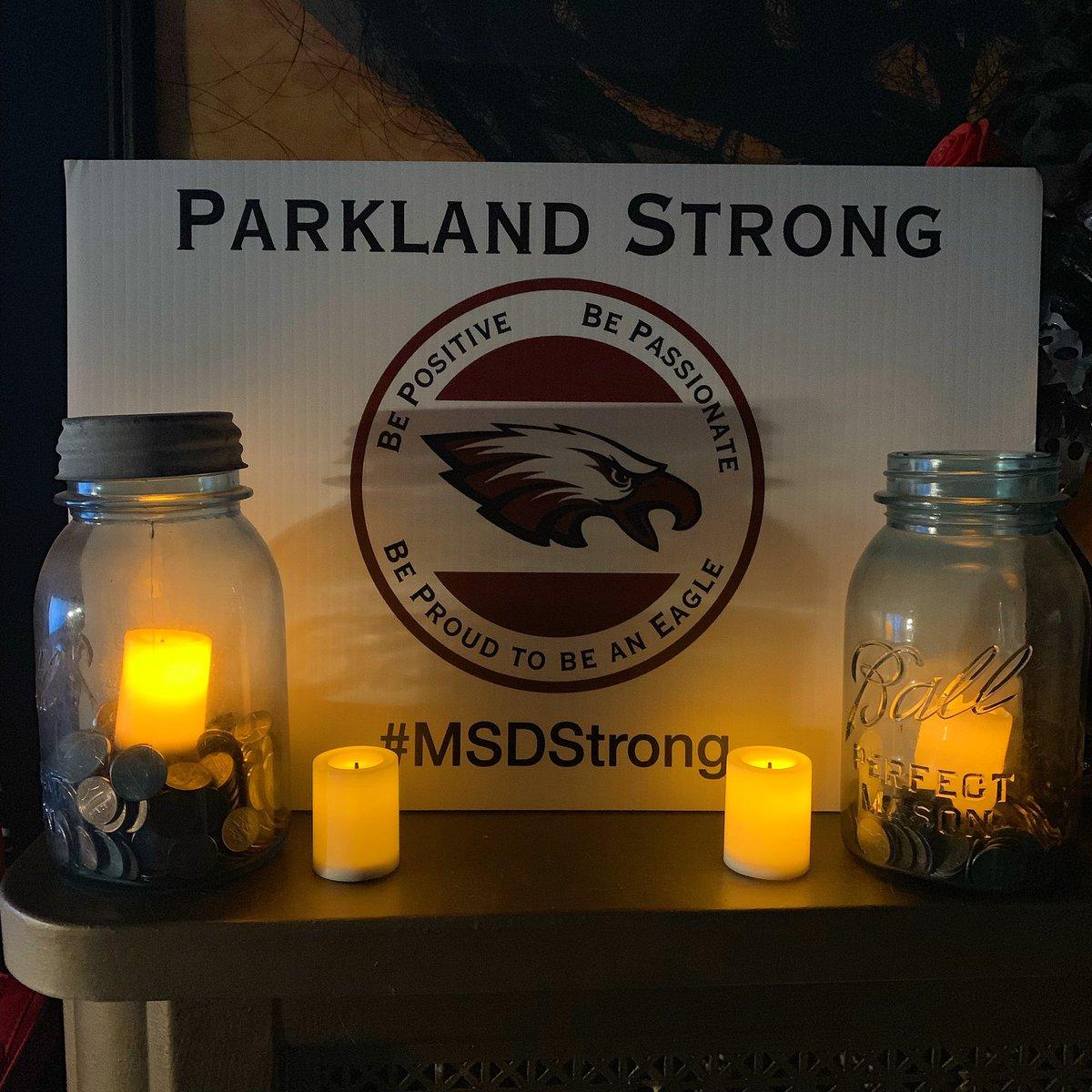 #17Eagles #MSDstrong #ParklandStong #neveragain #classof2003 #msdalumni https://t.co/o5QbRmSHK6