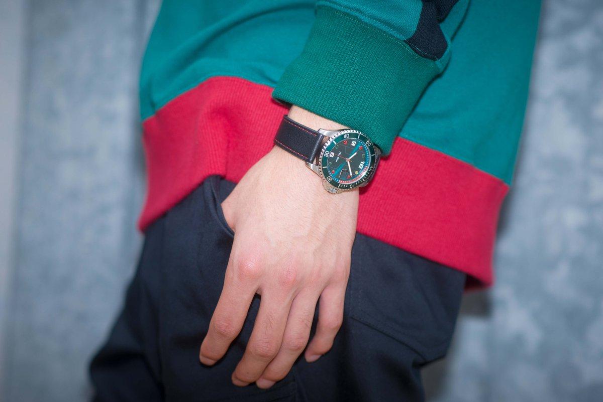 test ツイッターメディア - 【🔥Plus Ultra!!🔥】 大人気作品『僕のヒーローアカデミア』とのコラボ腕時計をご紹介⌚ 緑谷出久、爆豪勝己、轟焦凍の個性が光るデザインは必見✨時刻のインデックスに配置されたストーンのカラーにも注目です🔍 #heroaca_a #ヒロアカ https://t.co/Pzsd5hd3Jz https://t.co/4JYSqCum1B