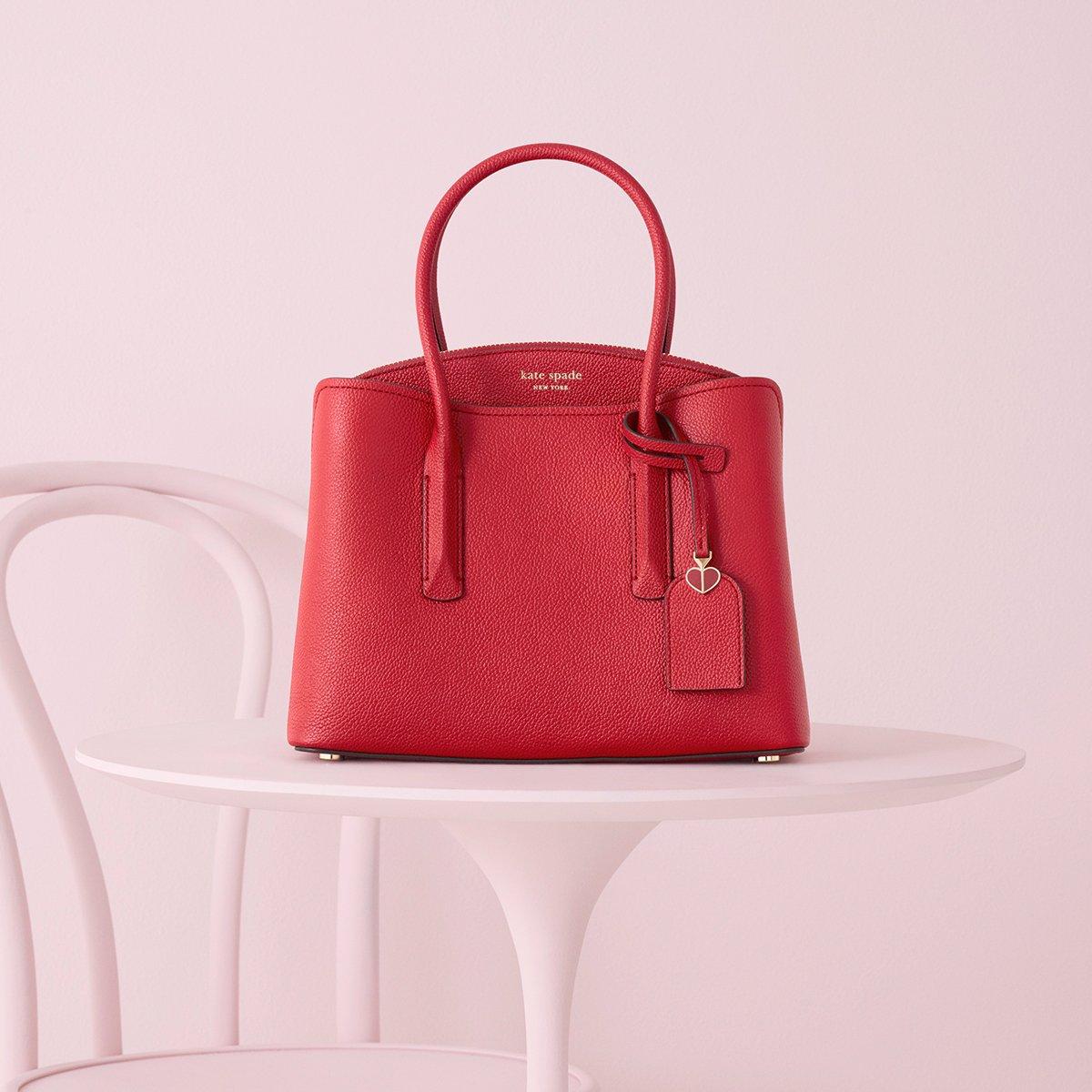 """毎日のパートナー margaux satchelに""""フレッシュな""""新色が登場。間仕切りのある機能的なデザインと柔らかな質感が魅力的。https://t.co/J3Z40X6uWW https://t.co/B9ufMzNp5R"""