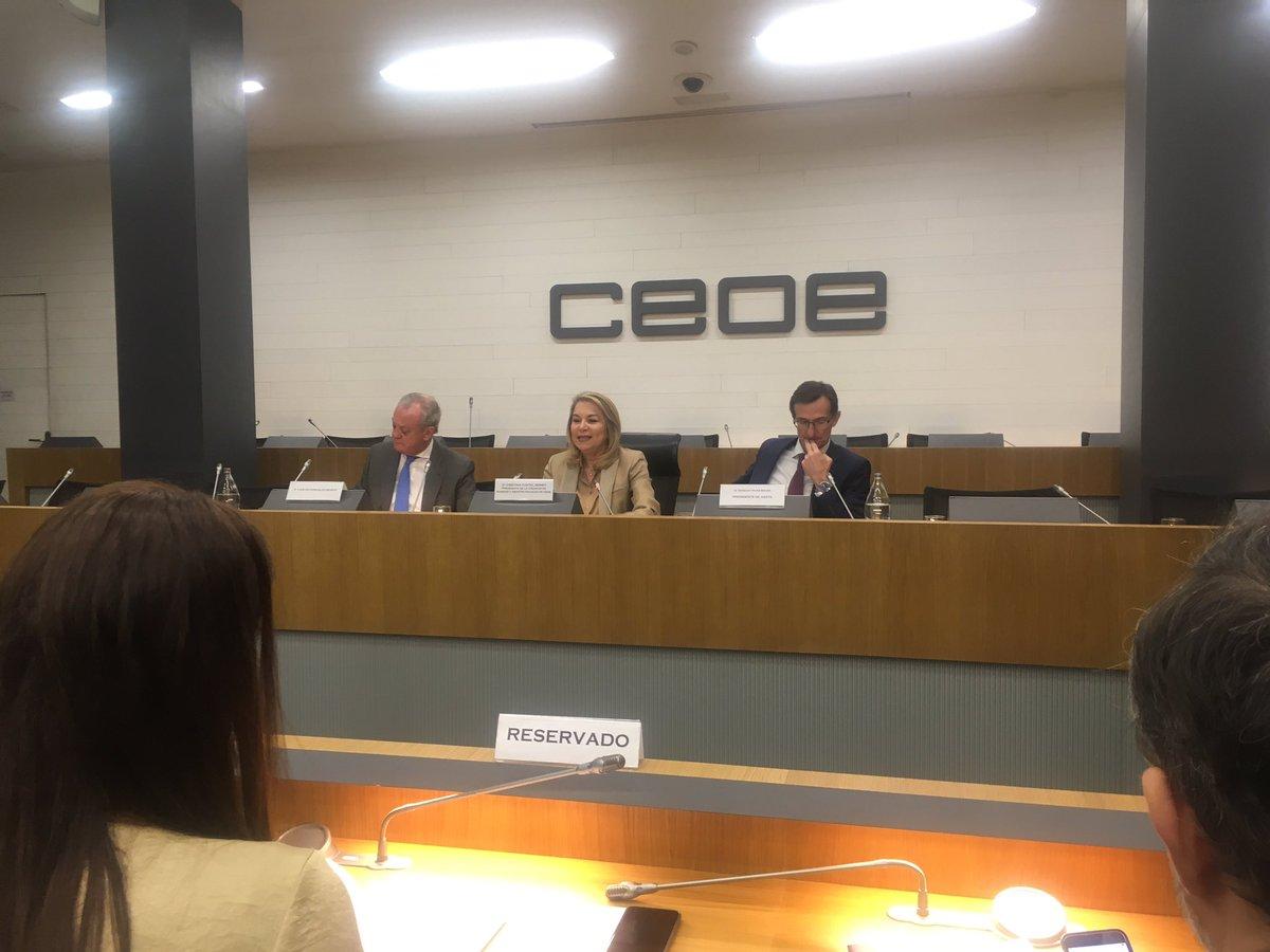 test Twitter Media - . @AESTE_oficial presenta en la sede de la @CEOE_ES un informe con propuestas para mejorar el sistema de Atención a la #Dependencia. https://t.co/zlfNRWWucQ