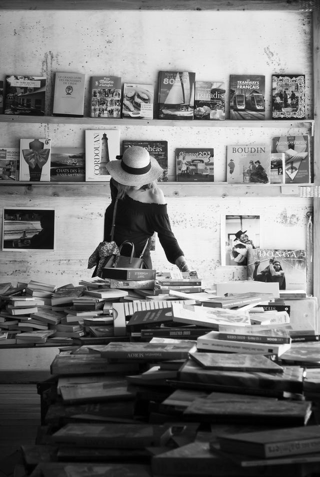 You're the only person I've ever met who can stand a bookstore as long as I can.  Junot Díaz  ©︎Dieter Krehbiel https://t.co/RP5zZchFeI