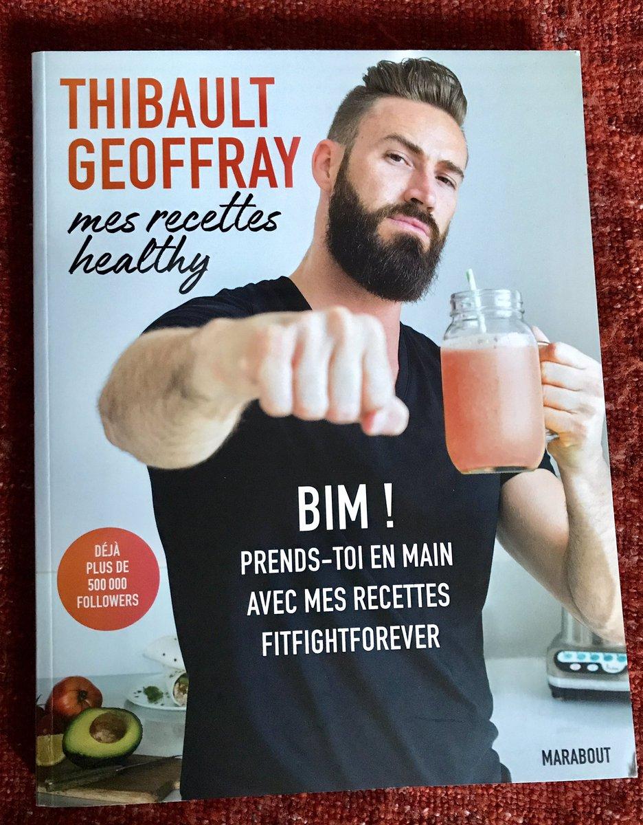 J'ai reçu mon livre hier. Je vais me régaler. 😋  #VendrediLecture #fitfightforever https://t.co/O3RyMhoFAl