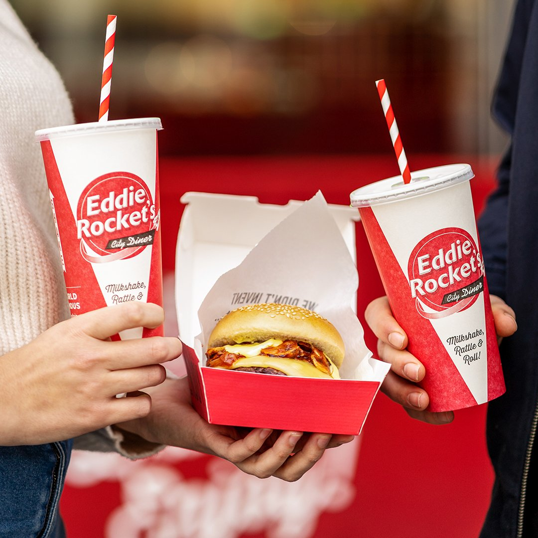 Make your Friday night takeout an Eddie Rockets. #delicious #fries #hamburger #eddieinmybelly https://t.co/jqsBjohXb6