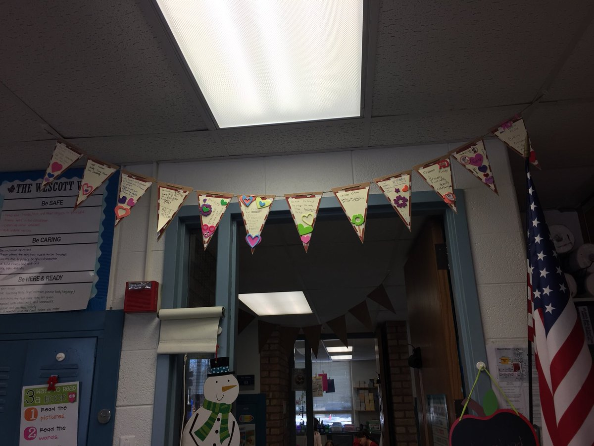test Twitter Media - My students made a wonderful banner about characteristics they want in a good friend. Such a wonderful craft from our Valentine's Day party. Thanks to our room moms for this great project! #d30learns https://t.co/QdRLr81mvg