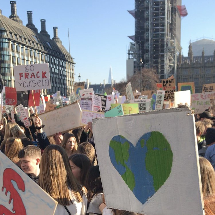 Standing with kids from across the country at today's #Youth4Climate strike at Parliament Square in London. https://t.co/1qQcpWqIuo