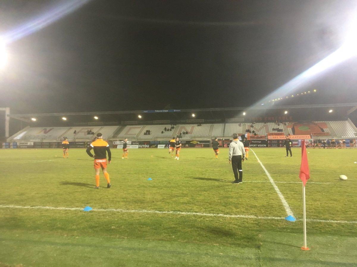 #RCNMVRDR   🏃🏻♂️  Les joueurs à l'échauffement !  Coup d'envoi dans 20 minutes...