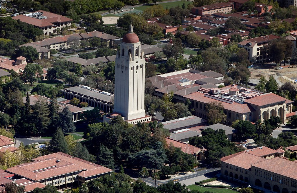 A data hack let Stanford students snoop on their classmates https://t.co/WMRlaicf3Z https://t.co/DwsHq7LBie