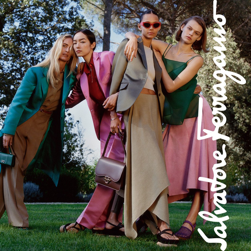 #FerragamoSS19 collection and a group of elegant ladies #Patchworkofcharacters https://t.co/5QgNLLzXtP https://t.co/4Zpy1MC6RG