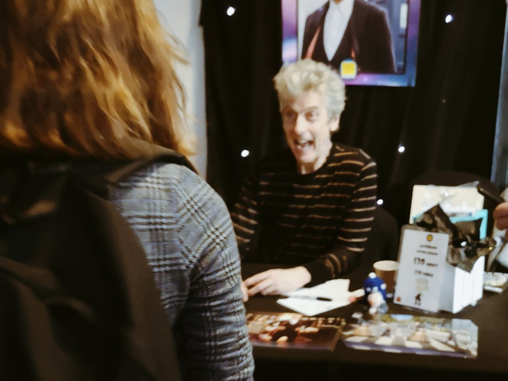 RT @CAPALDlSCO: I MET PETER CAPALDI AND GAVE HIM MY DRAWING BOOK AND HE SAID I WAS TALENTED AND MY LIFE IS COMPLETE https://t.co/6iXlWhCb9I