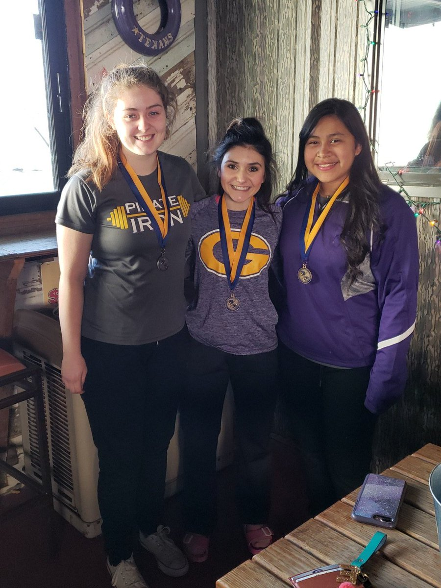 Holly Hodges..4th place medalist; Emilee Brown..4th place medalist; Viviana Sandoval ..5th place medalist! https://t.co/0ES6apAjty