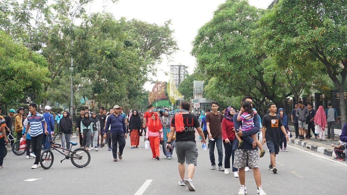 Hari Bebas Kendaraan Bermotor (HBKB) di Jalan Jenderal Sudirman, pagi ini.  #infoPKU #Pekanbaru #carfreedayPekanbaru https://t.co/Bi7PcqXkZn