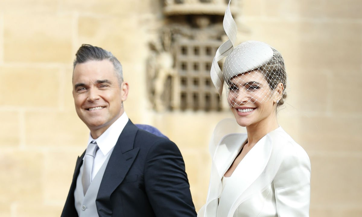 RT @hellomag: Robbie Williams makes exciting announcement... https://t.co/z928ugKfew https://t.co/BW4msgKQCo
