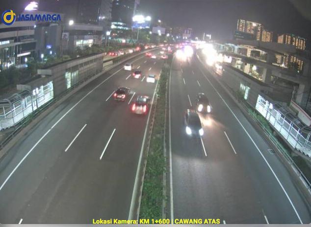 21.24 Arus lalu lintas tol dalam kota di KM 1+600 Cawang terpantau ramai lancar di kedua arah. https://t.co/2hrqqNP2n4