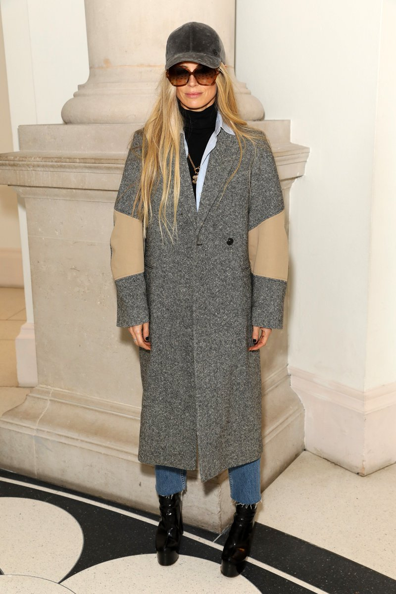 Laura Bailey dressed in VB PreAW19 x #VBWomen https://t.co/BRhkewRwvw
