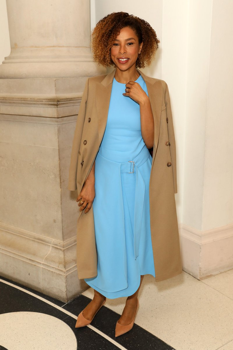 Sophie Okenedo in the belted flare midi and tailored coat at my #VBAW19 show. #VBWomen https://t.co/RUmd7k7H9z