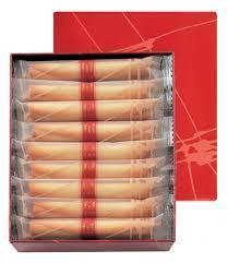 test ツイッターメディア - 幅広い世代の方に人気の商品♪♪シガールでおなじみの【ヨックモック】。バターをふんだんに使った生地に葉巻状に巻いてたっぷりとミルクチョコレートを詰めたクッキーです。サクッとした食感とやさしい甘さがお口の中に広がります。<シガールオゥショコラ> 1,944円 (18本入)◆地階=食料品売場 https://t.co/hhoiD97Zv6