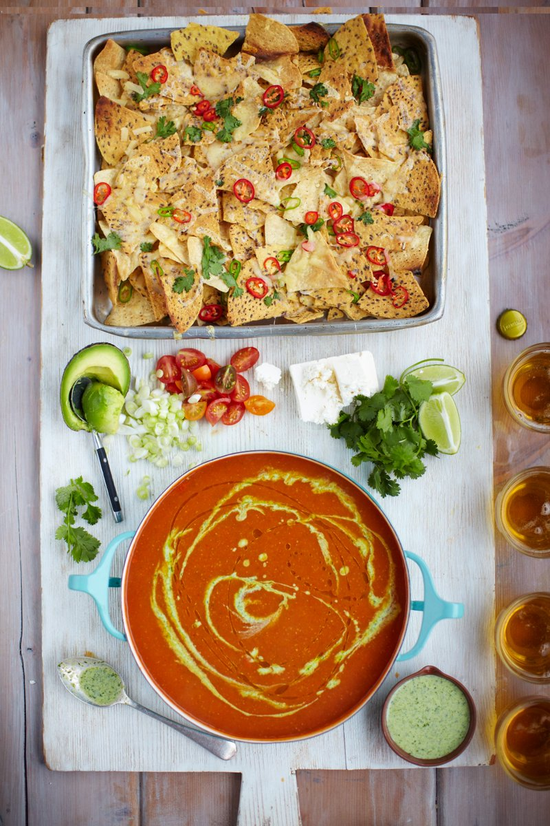 Tomato soup. Chilli nachos. Veggie & feta sprinkles. Dinner sorted.  P204 in 15 Minute Meals. #DinnerInspiration https://t.co/wJYyiByECe