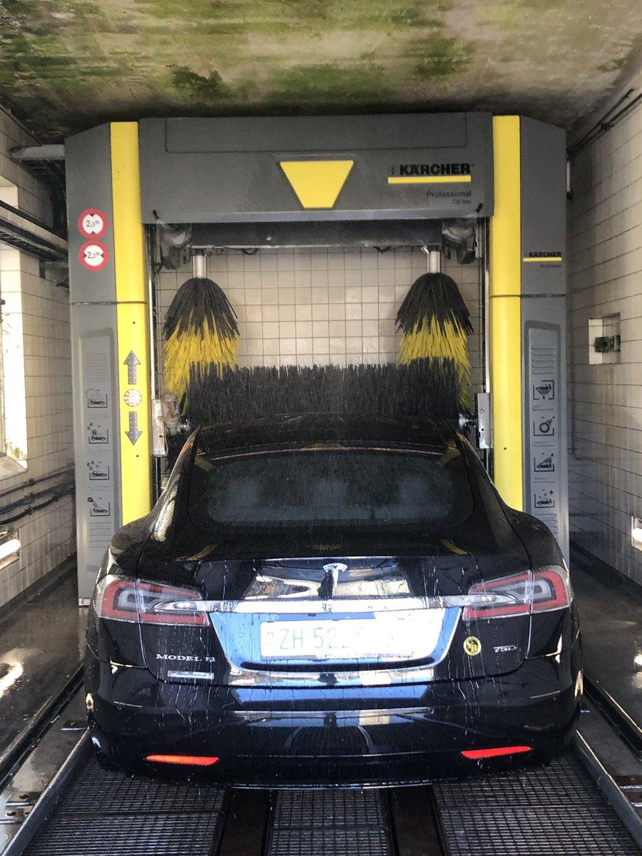 test Twitter Media - Immer mehr @BSC_YB Fans auch im ZüriOberland. Garagist ändert Bürsten-Farbe... #Züriauto #YBChläber #HoppYB https://t.co/uIGRR5SHDr
