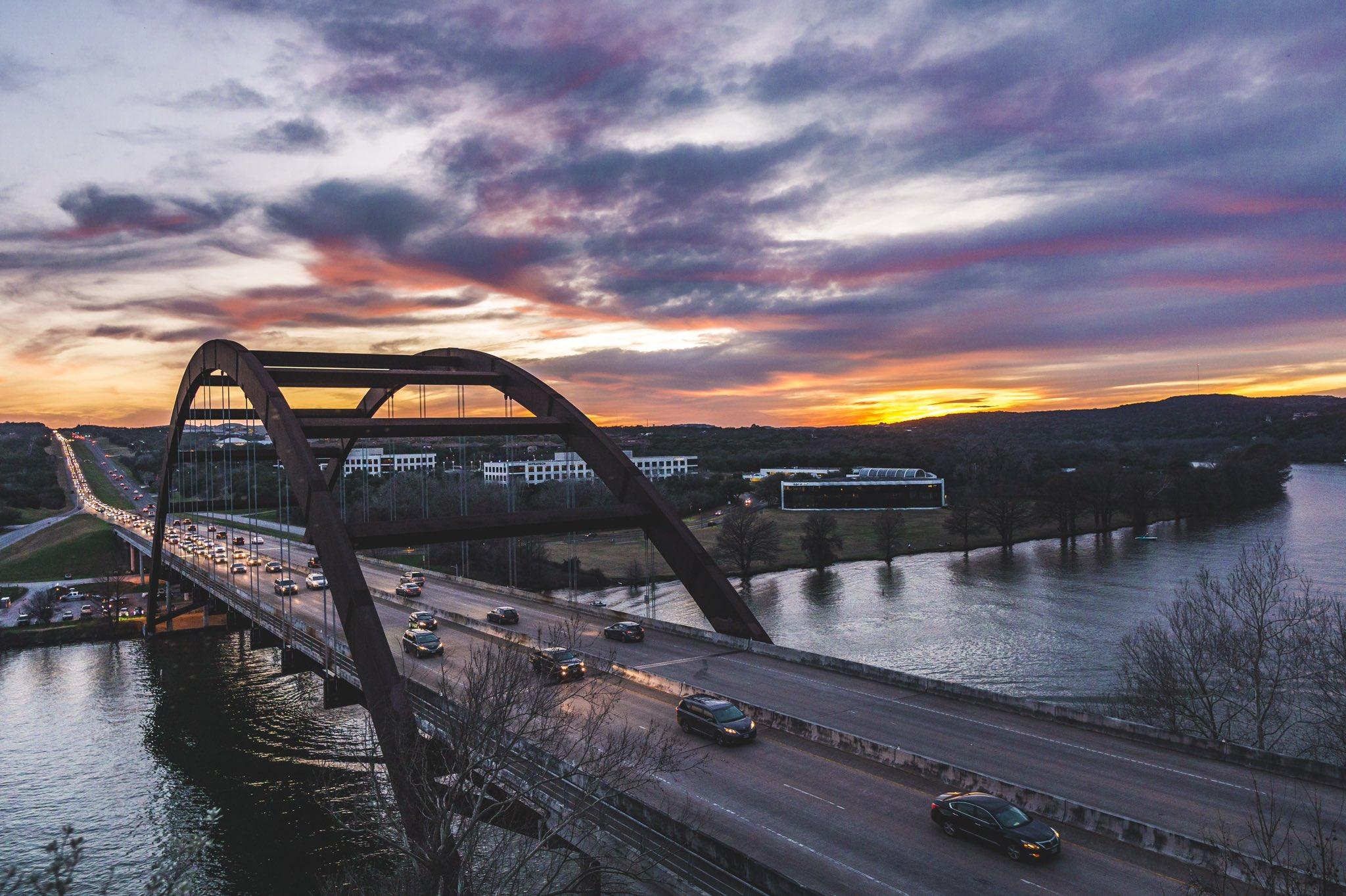 Sunset at Pennybacker bridge... @TexasHighways @TexasMonthly #sunsets #austin #Texas @KVUE https://t.co/9VYfKuz44z