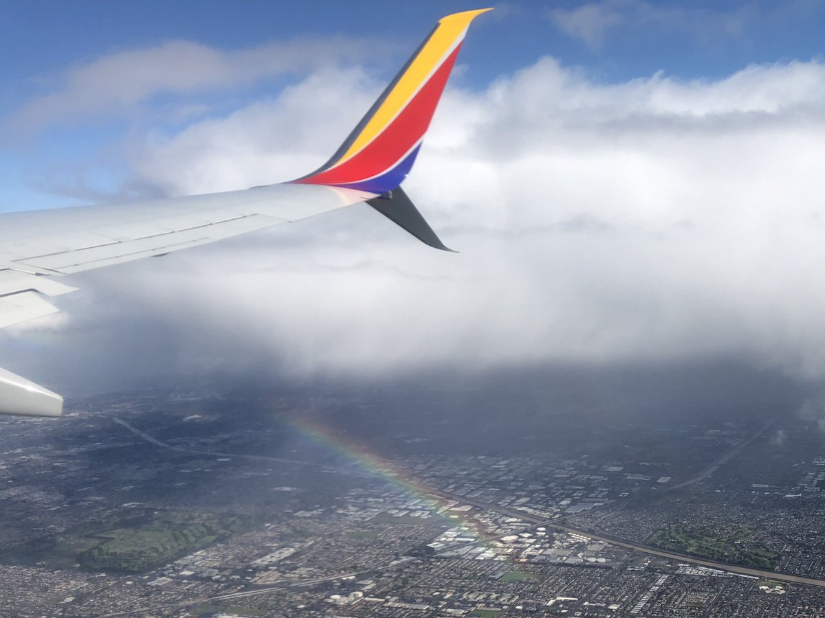 test Twitter Media - Rainbow reaching down from the clouds as approaching LAX #iflyswa #swaluv https://t.co/CGu1gV9ThC