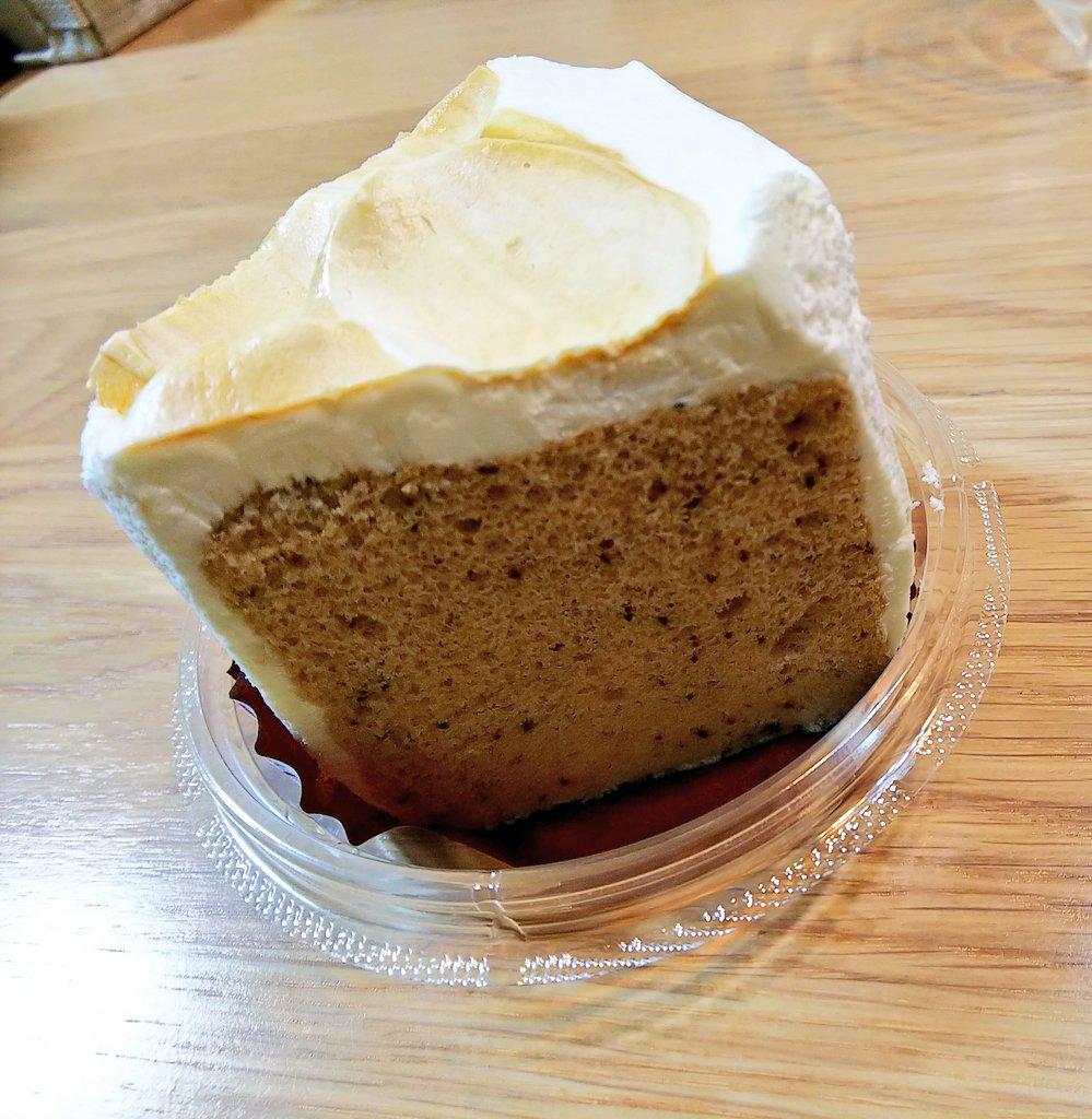 test ツイッターメディア - タリーズ「シフォンケーキ ミルクティー」 ミルキーなホイップで、上部分だけほんのり紅茶風味♪ しっとり感もありつつふわっふわなシフォンケーキは、しっかり紅茶の風味が楽しめる☕️ 甘すぎないけど、甘さもあって美味しかった😋 https://t.co/l9jYPeRabM