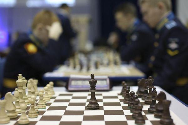 test Twitter Media - Министр обороны Сергей Шойгу поддержал инициативу по созданию Лиги кадетского спорта. Кадетские шахматные клубы Минобороны будет курировать @SergeyKaryakin https://t.co/WyFLvzeB51 https://t.co/VSip7FoOFo