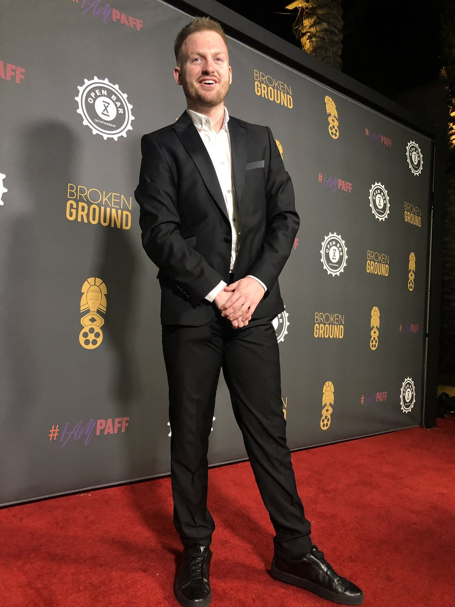 RT @HarryParslow: Season premiere of #BrokenGround last night in Los Angeles, CA ????????   Suit by @LukeRoper ???????? https://t.co/uIYW1sOBc3