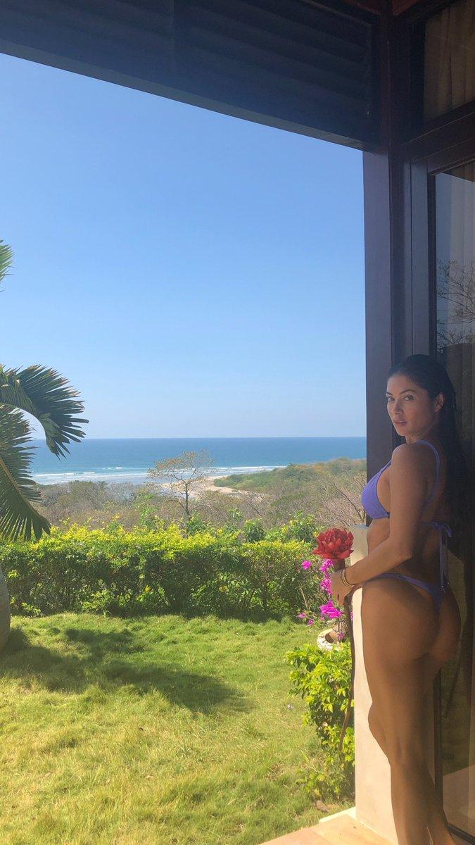 Enjoy the view #costarica ???????????? https://t.co/FNfgHBj2wM