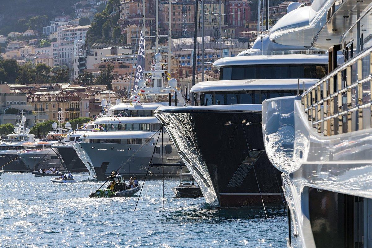 Bling-Bling Battle at #Monaco Yacht Show 2021: https://t.co/r9LwSAxjXv https://t.co/pVKQLAgOyD