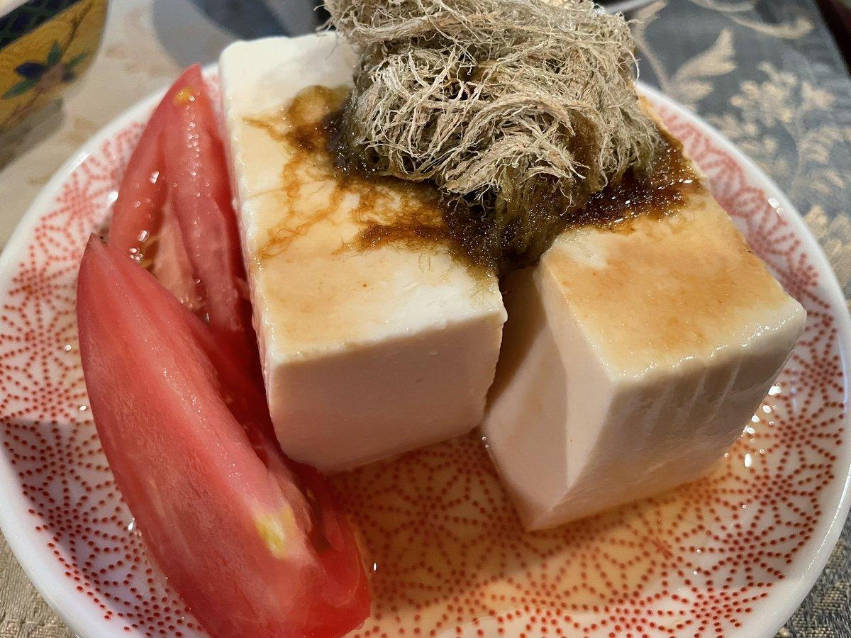 test ツイッターメディア - 飯ログ🍽 土曜の夕飯 鰈の煮付けに朧昆布のせ冷奴、鱈のキムチ 今シーズン初で買ったビワは珍しく肉厚で食べるとこかなりありました😊 煮付けにワインはないよねと夜は日本酒🍶まんさくの花を合わせました。 https://t.co/KebflMwTJW