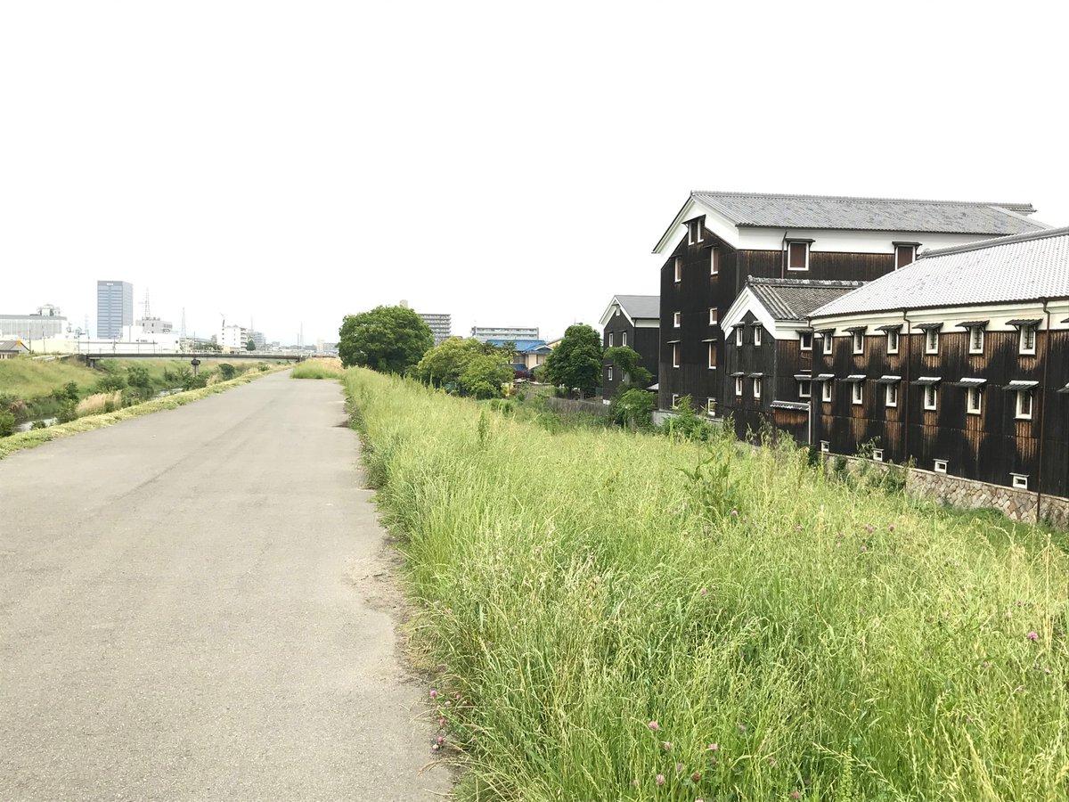 test ツイッターメディア - またまた、仕事でどうしても、 京都にいかなければならず、 伏見松本酒造🍶  横を通りました。  金田一耕助が帽子かぶって カバンを持って🧳 歩いて来そうな感じです(^_^)  あいかわらず、よい建物です(^o^) https://t.co/bEWFOrbkbt
