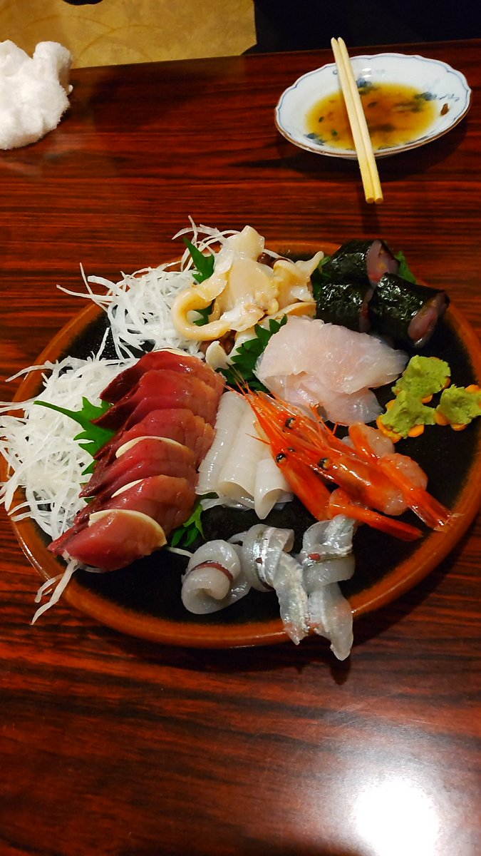 test ツイッターメディア - 糸魚川の海鮮料理が最高な件について。 新潟っていいな。 つぶ貝の肝とか始めて食べた。 日本酒「謙信」もおいしかった。 明日はかまぼこメンチ食べる😳 #新潟 #県内旅行 いやいや #取材 だよ(´>∀<`)ゝ https://t.co/o53XyZWfJL