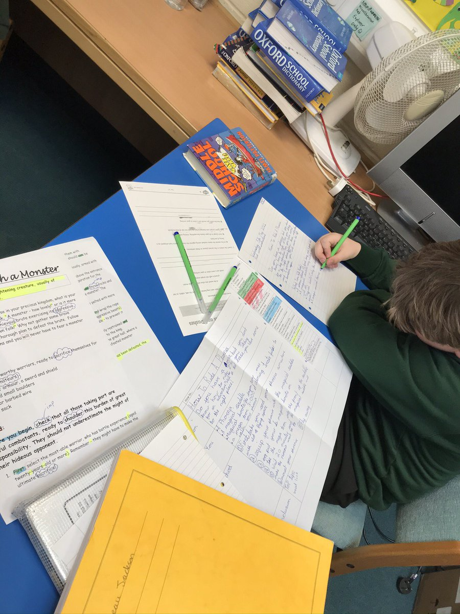 test Twitter Media - Year 6 are doing their 'Hot Write'. Beau is using his plan & everything he has been learning. #talk4writing https://t.co/wlw9JKsyNA