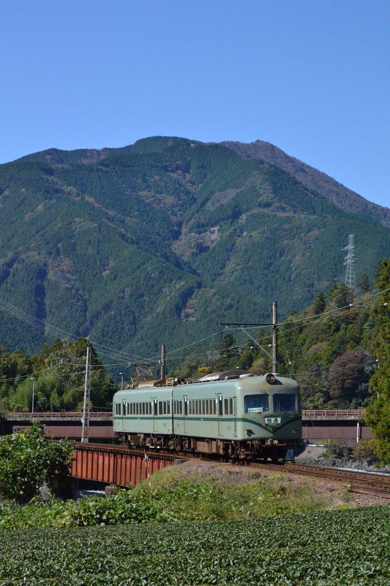 test ツイッターメディア - #お気に入りの縦長画像を見せよう 仕事が忙しくこればっかり(^^; 大井川鐵道より。  後ろの自動車用の橋に車無し!やったぁ!って感じでしたね♪やはりこの「顔」が大好きです。懐かしの神戸電鉄300形を思い出します。 https://t.co/lPdWQKs3Ie